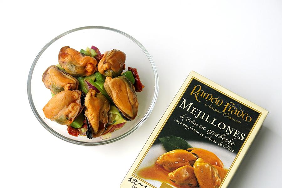 Receta Ensalada de mejillones en escabeche con aguacate